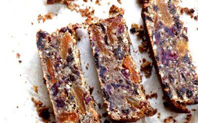 Gâteau aux fruits séchés du randonneur