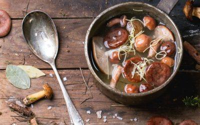 Le bouillon de champignons est le nouveau bouillon d'os à moelle