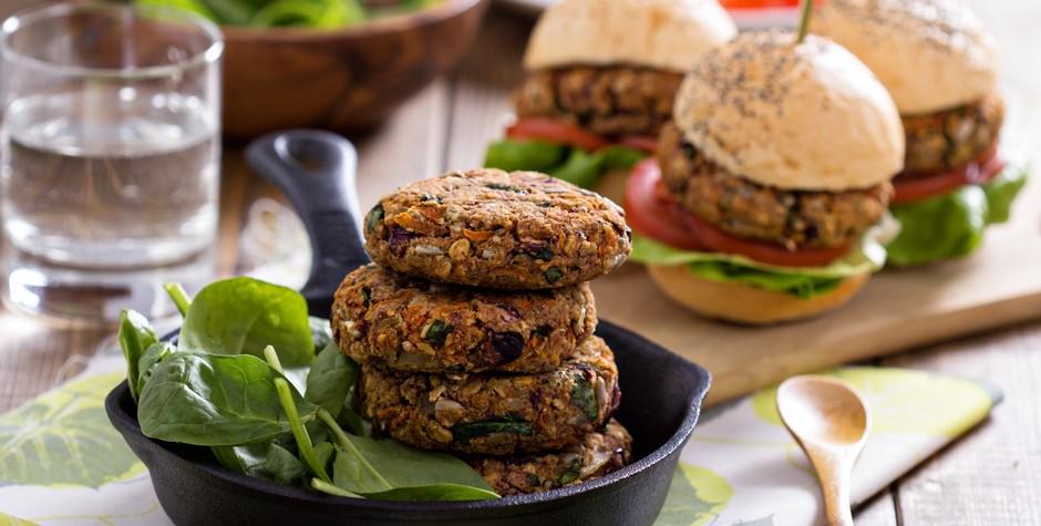 Manger végétarien on remplace la viande par quoi